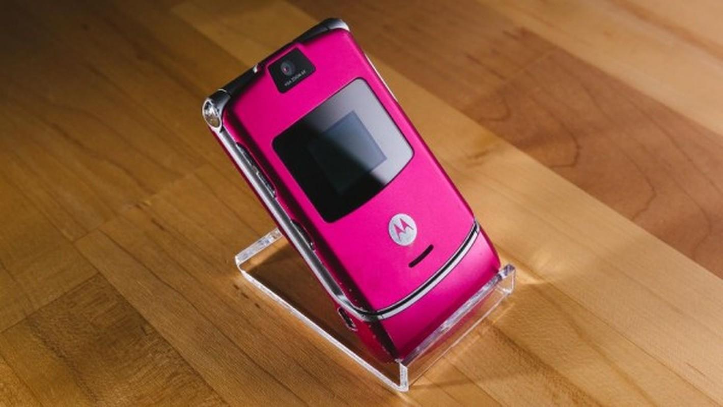 Nhin lai thiet ke chiec Motorola Razr tung khien nguoi Viet me met-Hinh-17