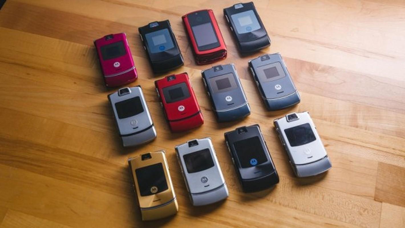 Nhin lai thiet ke chiec Motorola Razr tung khien nguoi Viet me met