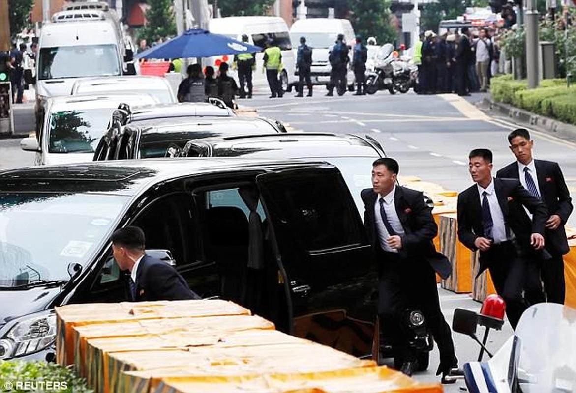 Khi cong du nuoc ngoai, ong Kim Jong-un duoc bao ve the nao?-Hinh-4