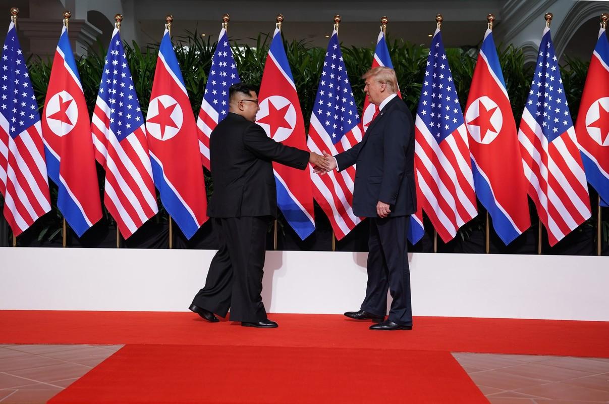 Khi cong du nuoc ngoai, ong Kim Jong-un duoc bao ve the nao?
