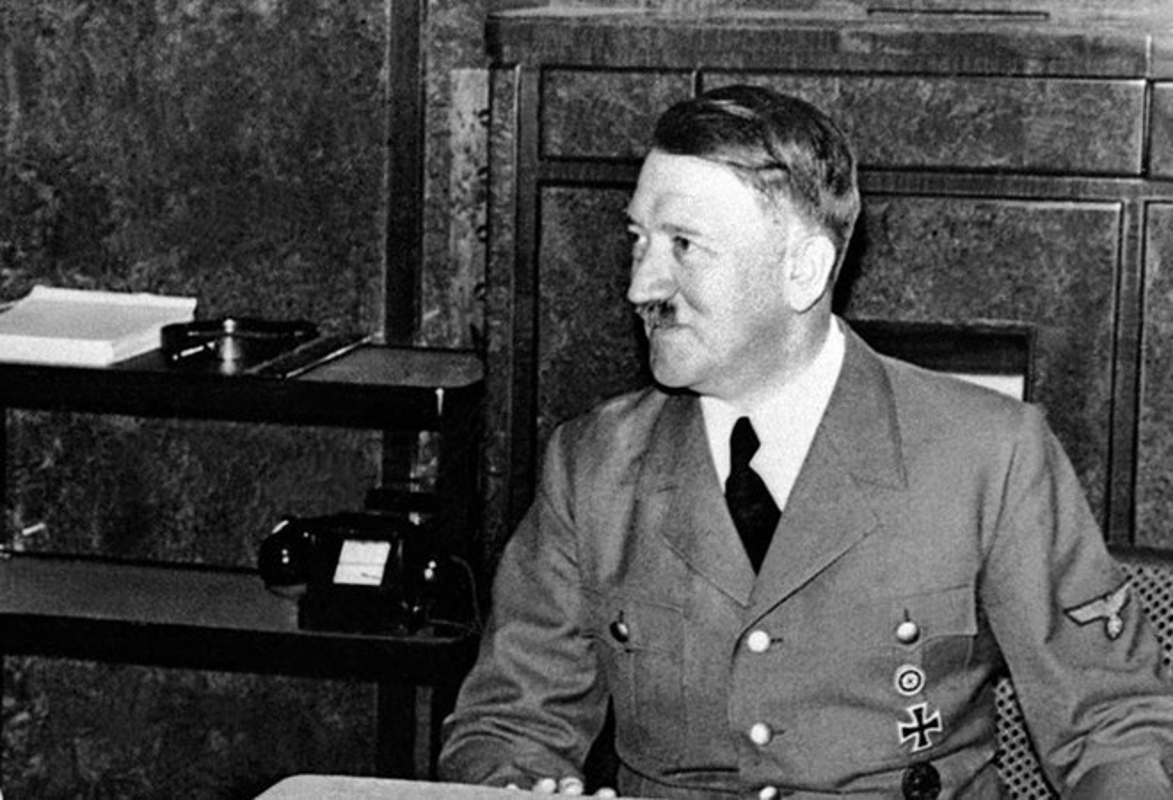 Cuc soc: Trum phat xit Hitler so hai Anh, Phap?-Hinh-7