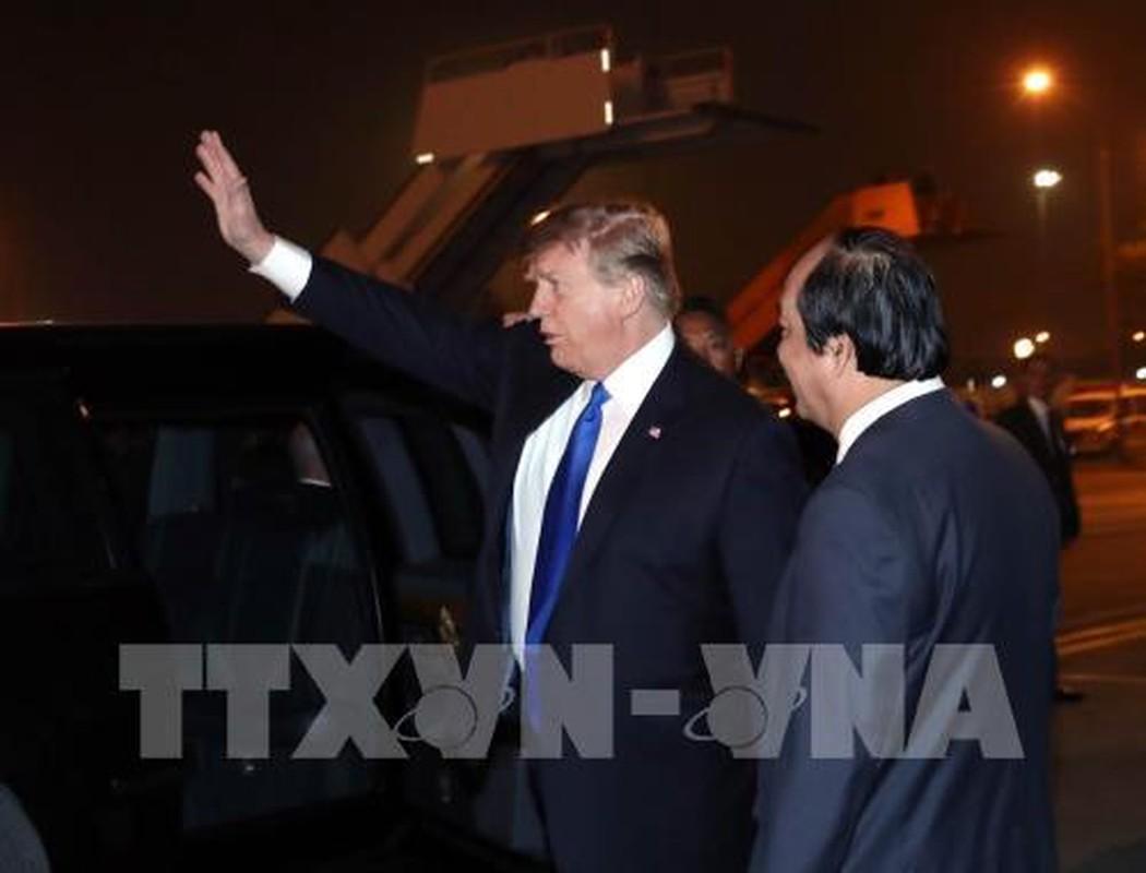 Vi sao Tong thong Donald Trump luon that ca vat dai khi cong can?-Hinh-3