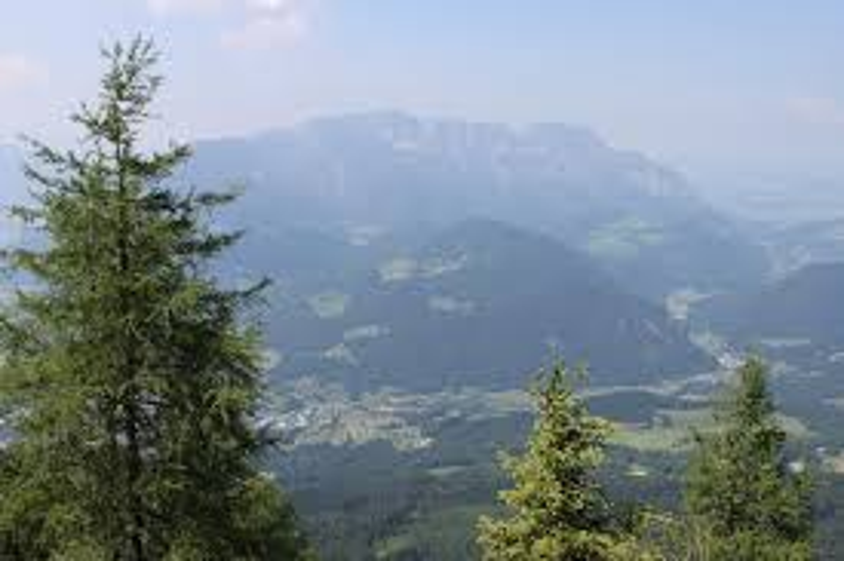 Nhung vu mat tich kinh hoang tren day nui am loi nguyen Untersberg-Hinh-3