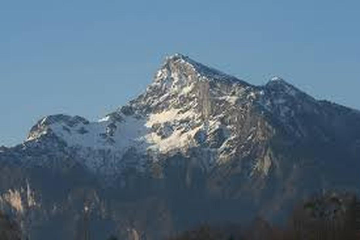 Nhung vu mat tich kinh hoang tren day nui am loi nguyen Untersberg-Hinh-4