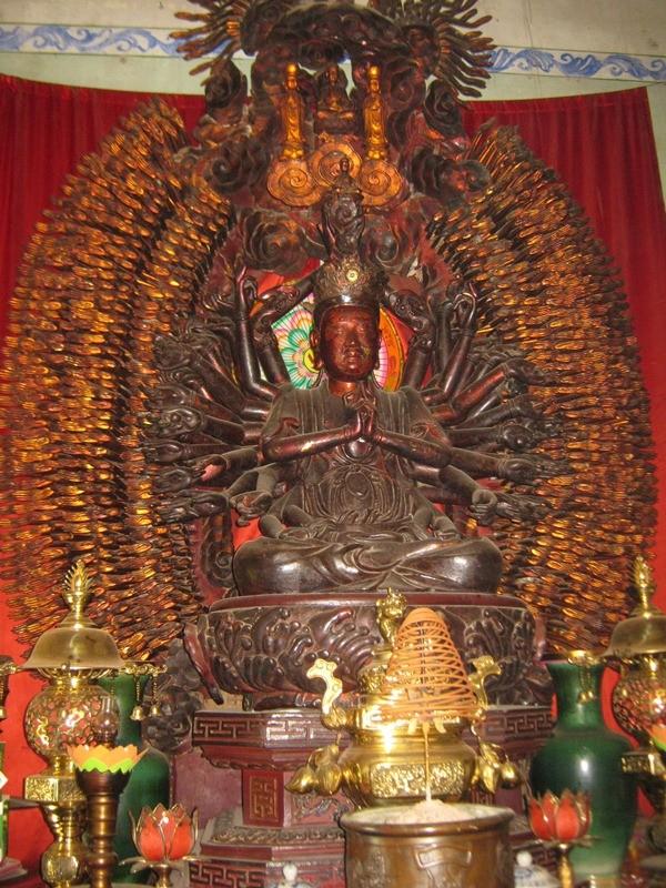 Bi an tuong Phat nghin mat nghin tay vua duoc cong nhan bao vat QG-Hinh-2