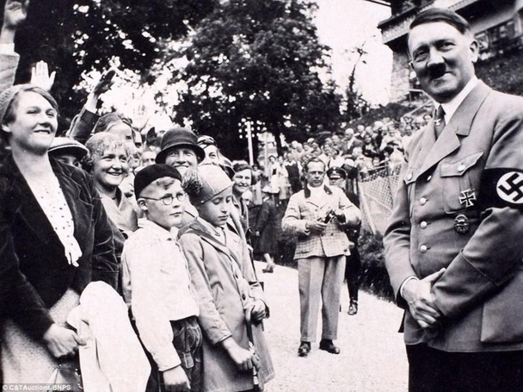 Giat minh Hitler gia chet, ung dung song den gia o Argentina?-Hinh-6