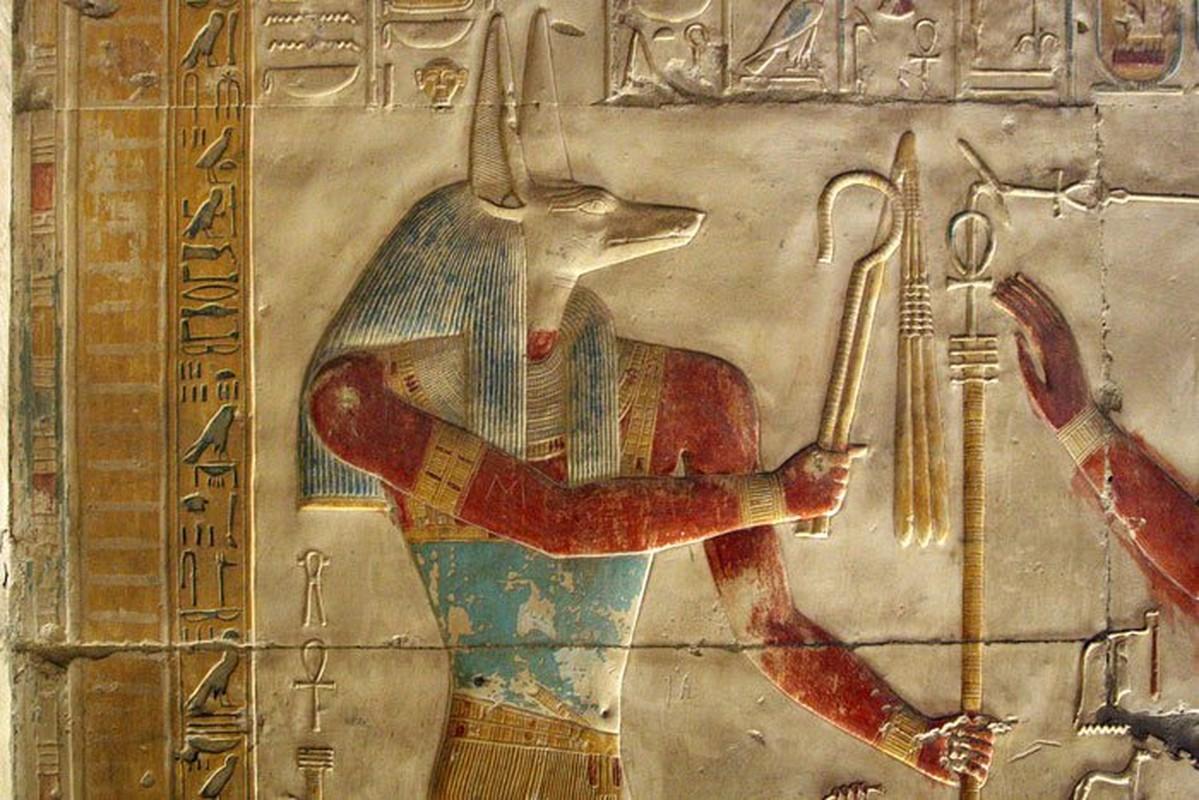 Giai ma bieu tuong quyen luc tren quan tai pharaoh Ai Cap-Hinh-7