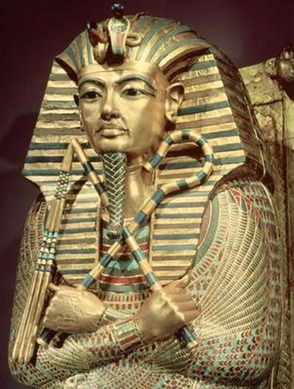 Giai ma bieu tuong quyen luc tren quan tai pharaoh Ai Cap-Hinh-8