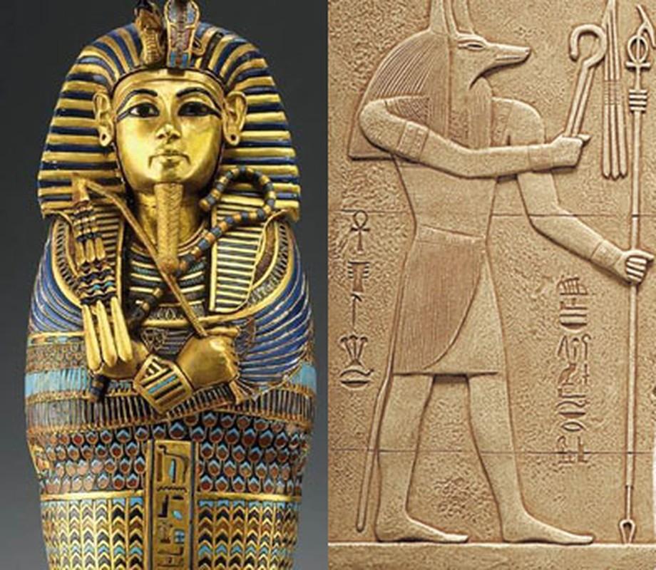 Giai ma bieu tuong quyen luc tren quan tai pharaoh Ai Cap