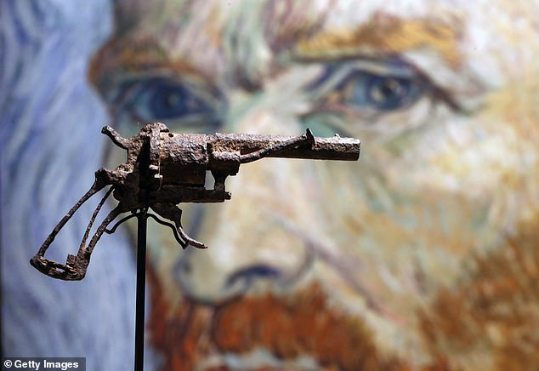 Cuc soc: Danh hoa Van Gogh tu sat bang sung?-Hinh-7