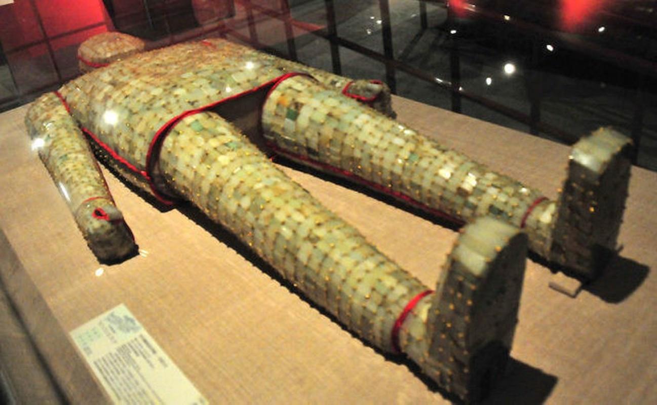Vi sao kho bau 2.000 tuoi trong mo So vuong