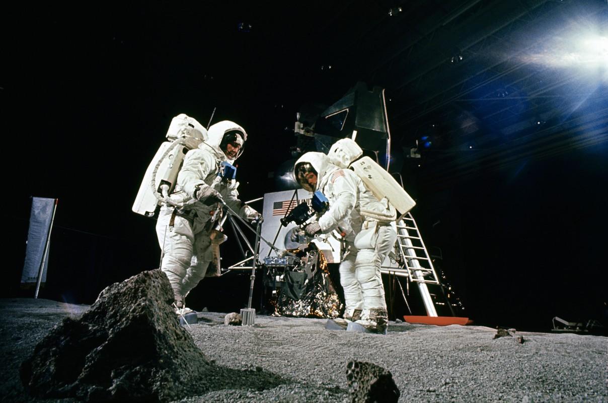 Cuc soc su co suyt can tro su menh len Mat Trang cua Apollo 11-Hinh-3