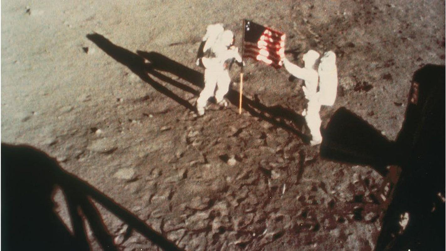 Cuc soc su co suyt can tro su menh len Mat Trang cua Apollo 11-Hinh-9