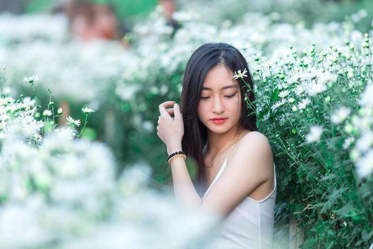 Ngo ngang voi nhan sac luc chua len ngoi Hoa hau cua Luong Thuy Linh-Hinh-5