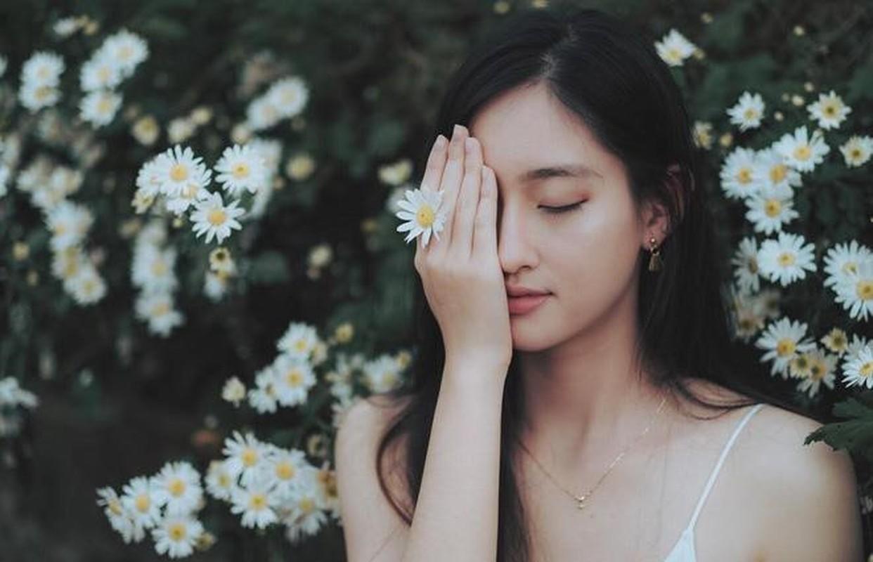 Ngo ngang voi nhan sac luc chua len ngoi Hoa hau cua Luong Thuy Linh-Hinh-6