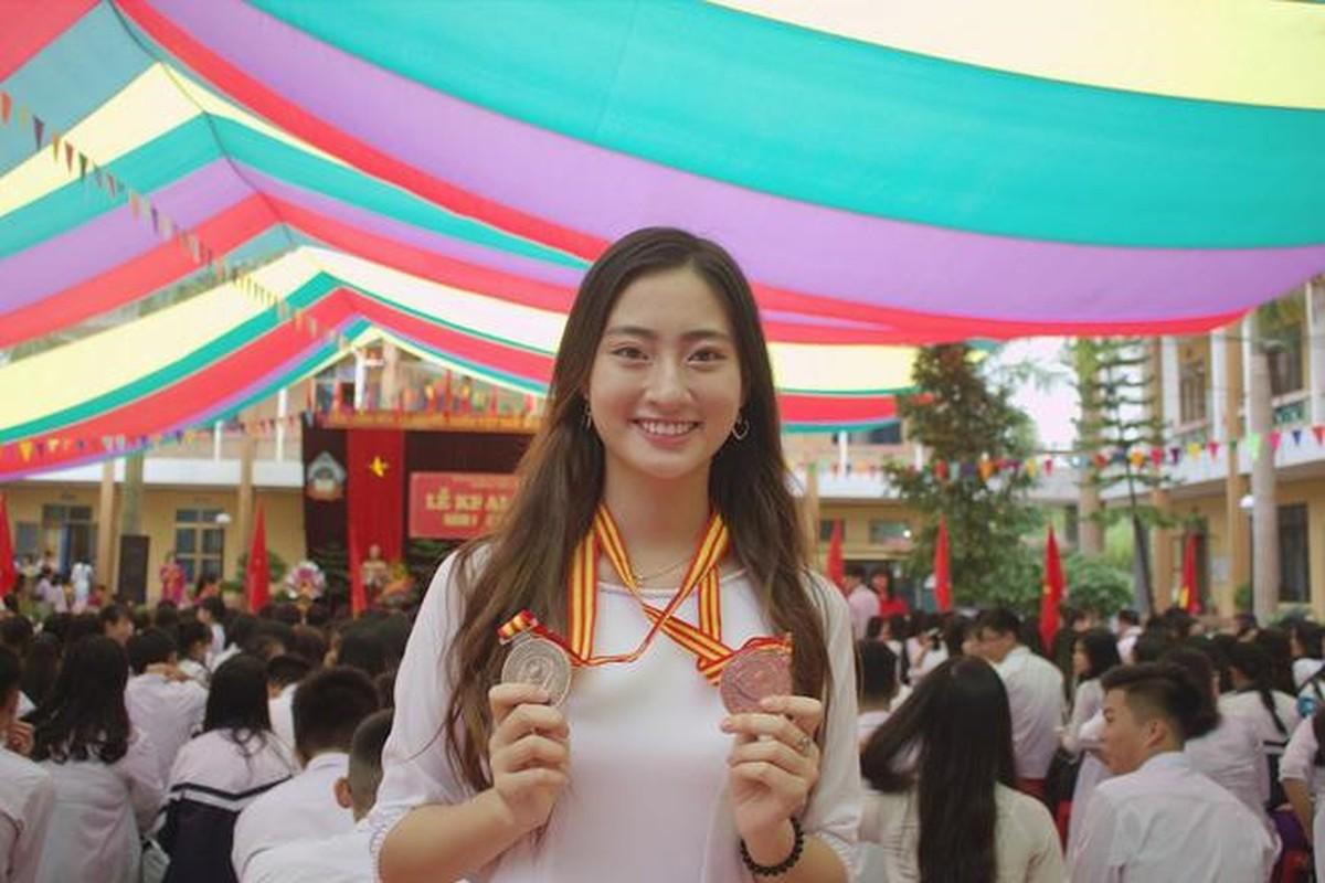 Ngo ngang voi nhan sac luc chua len ngoi Hoa hau cua Luong Thuy Linh-Hinh-8