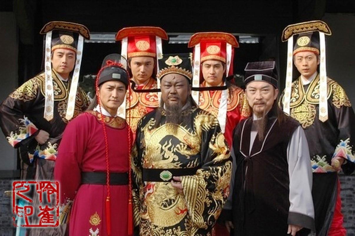 Cuc soc: Ca doi lam quan, Bao Cong chi xu 2 vu an?-Hinh-6