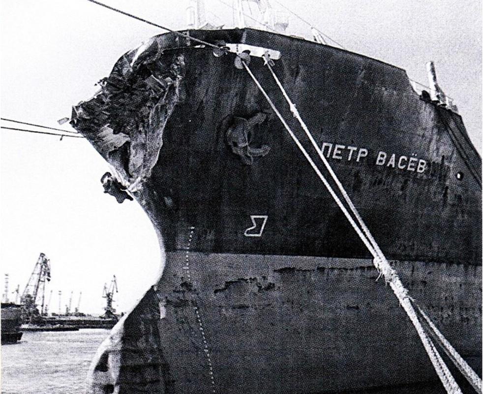 Rung minh tham kich chim tau cua Lien Xo khong kem Titanic-Hinh-8