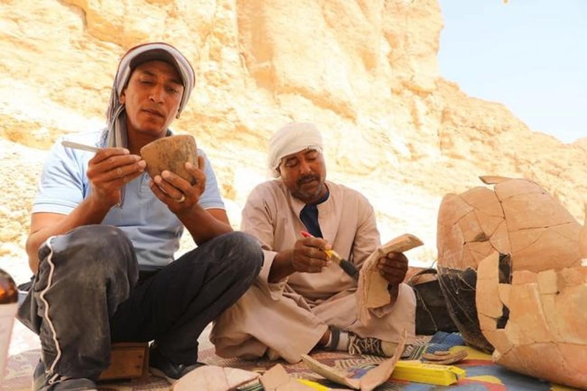Bi an 2 xac uop bat ngo xuat hien canh Vua Tutankhamun-Hinh-4