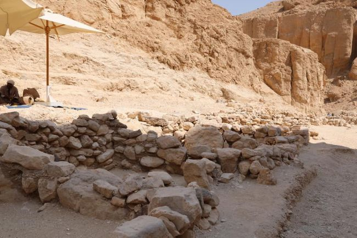 Bi an 2 xac uop bat ngo xuat hien canh Vua Tutankhamun-Hinh-8