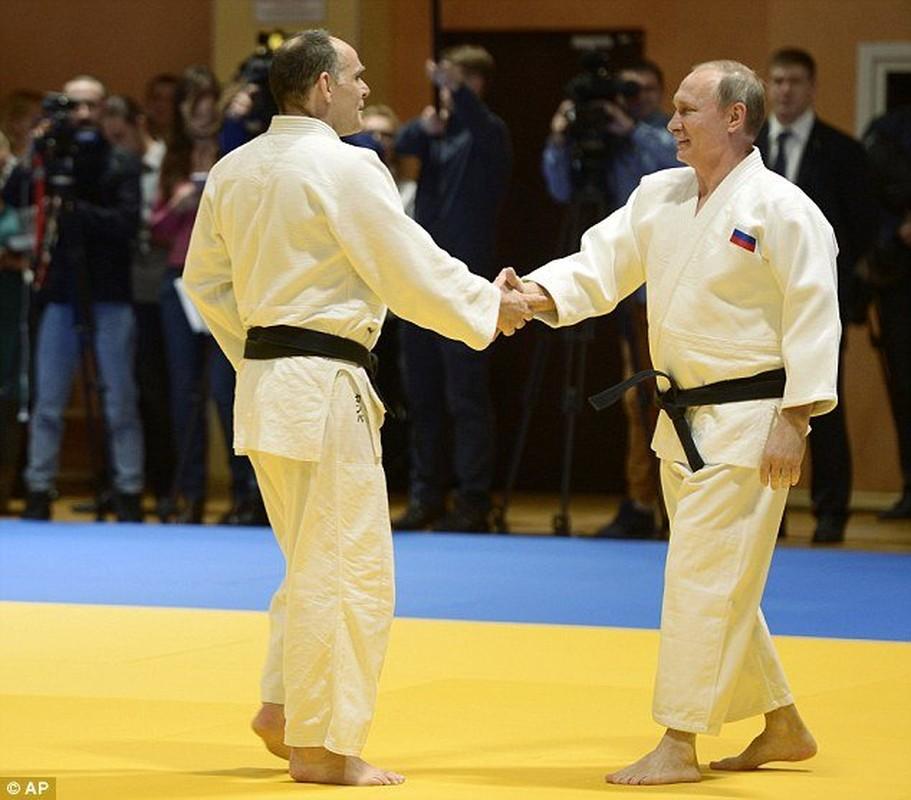Giai ma kha nang vo thuat sieu dinh cua Tong thong Putin-Hinh-10