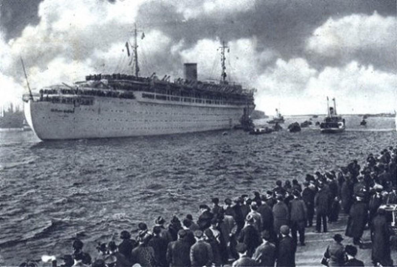 """Giai ma tham kich """"tau Titanic cua Hitler"""" trong The chien 2-Hinh-6"""
