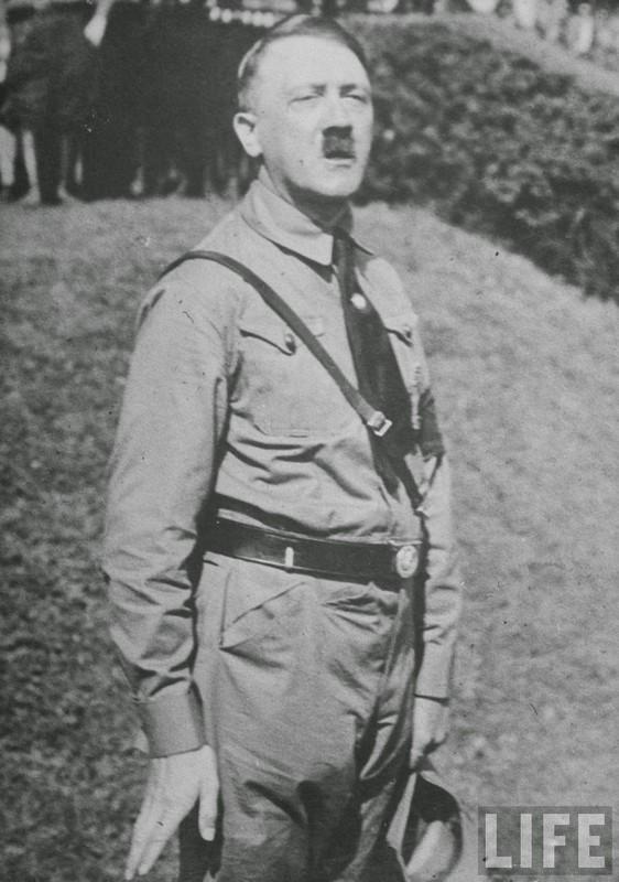 Loat anh hiem doc cuc soc ve trum phat xit Hitler-Hinh-8