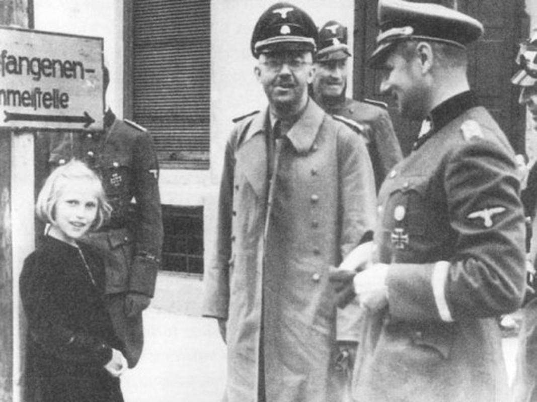 Toi ac thau troi cua trum so SS tuoi Canh Ty thoi Hitler-Hinh-2