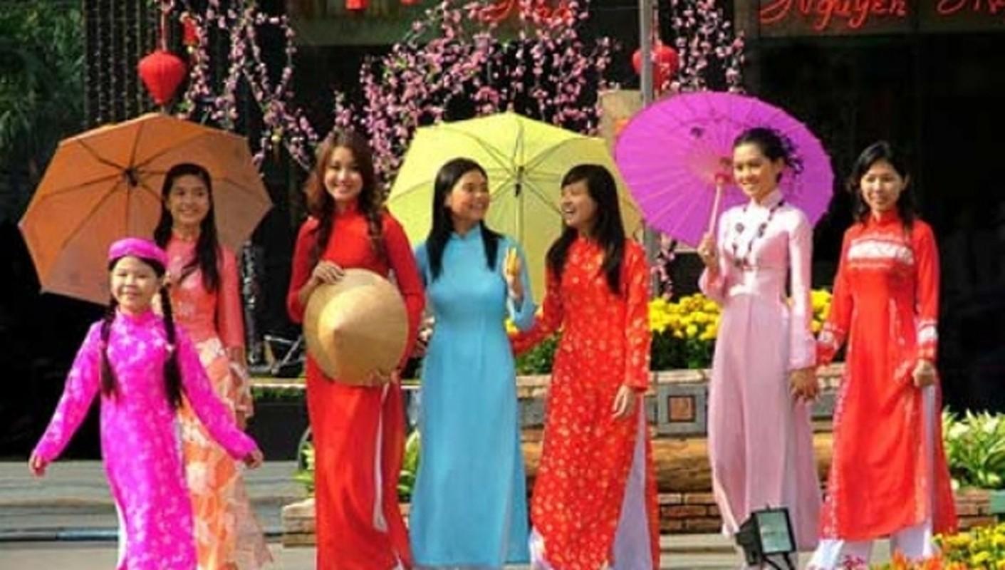 Tet Canh Ty 2020: Xuat hanh huong nao de phuc loc trai dai, tien vang day ket?
