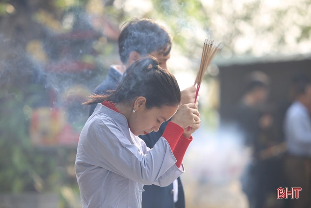 Tet Nguyen Dan, Ha Noi va mien Bac mua ret: Nguoi dan van tap nap di chua cau may-Hinh-10