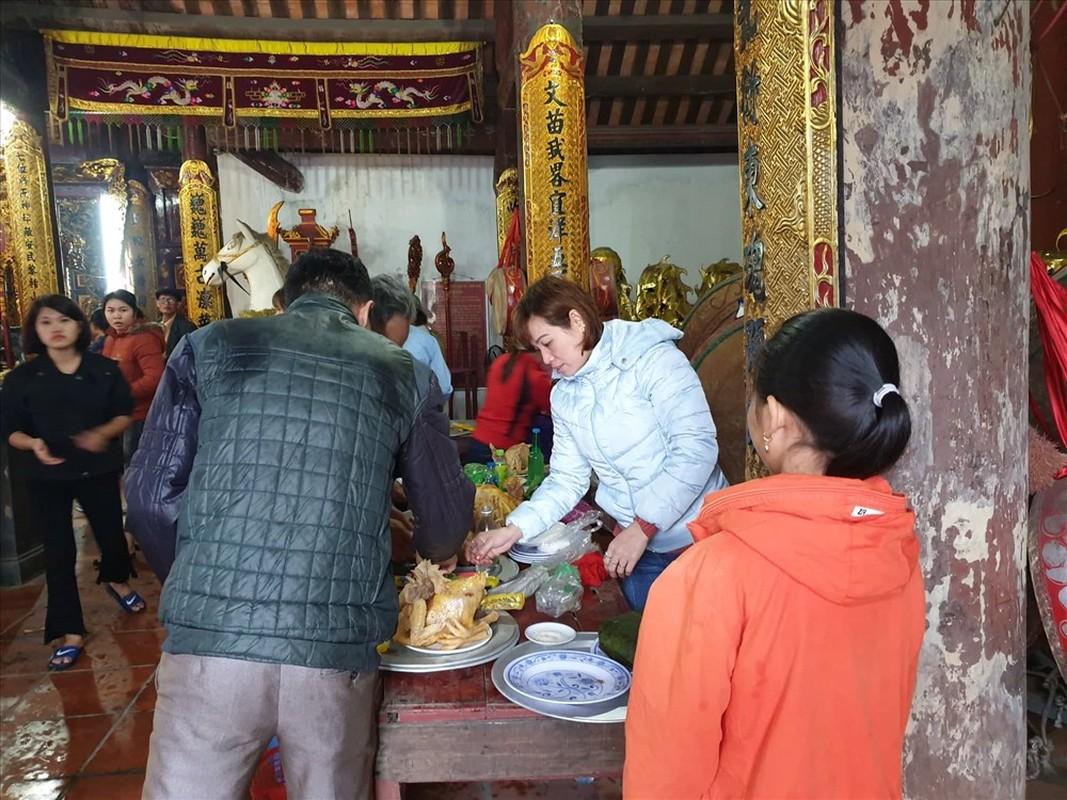 Tet Nguyen Dan, Ha Noi va mien Bac mua ret: Nguoi dan van tap nap di chua cau may-Hinh-4