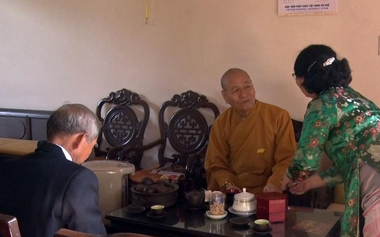 Tet Nguyen Dan, Ha Noi va mien Bac mua ret: Nguoi dan van tap nap di chua cau may-Hinh-7