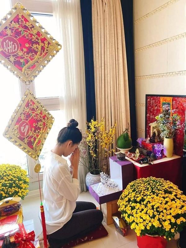 To mo khong gian nha Hoa hau Viet ngay Tet Canh Ty 2020-Hinh-5