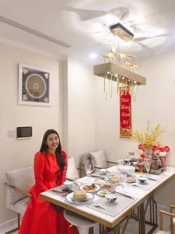 To mo khong gian nha Hoa hau Viet ngay Tet Canh Ty 2020-Hinh-6