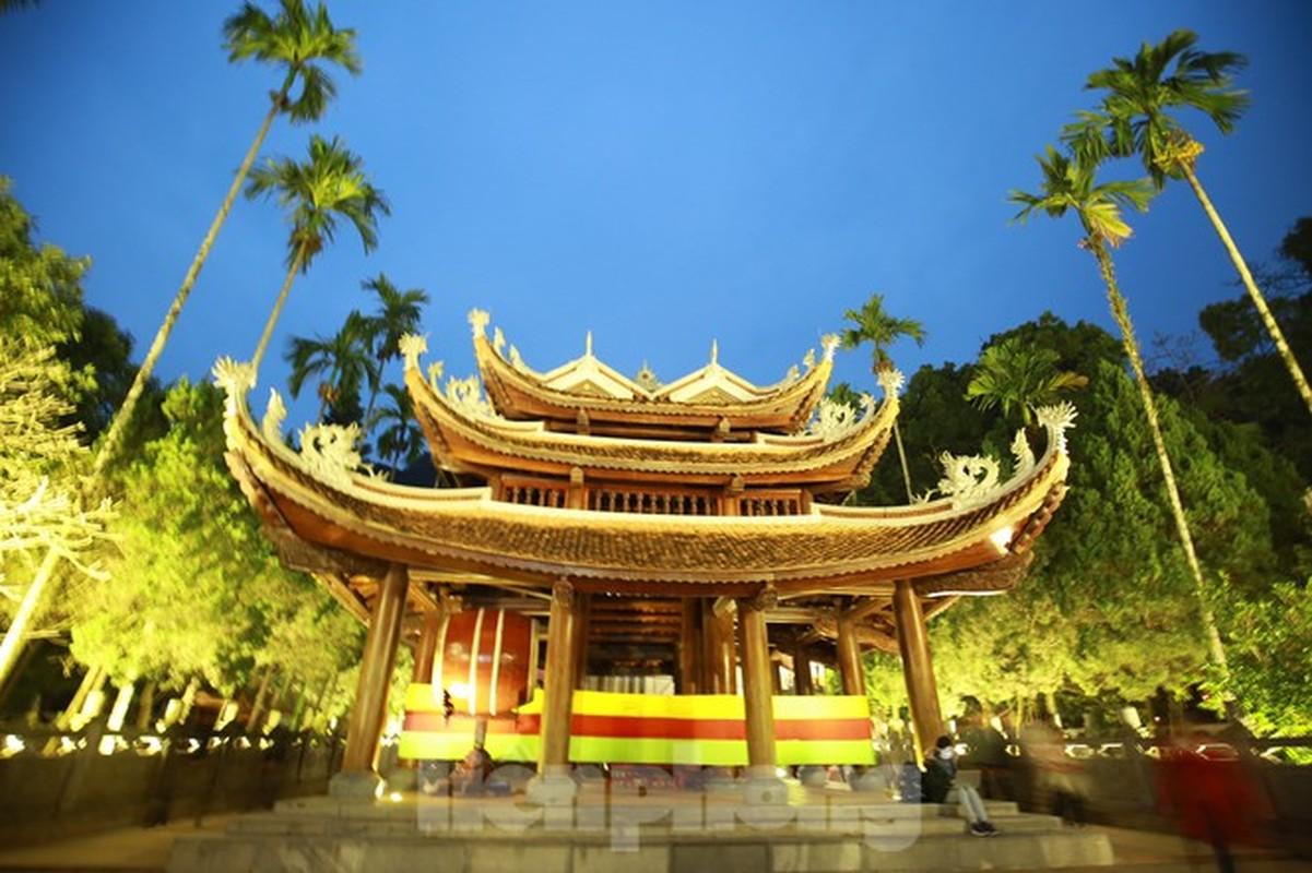 Bi mat chua tiet lo ve chua Huong linh thieng nhat Viet Nam-Hinh-2