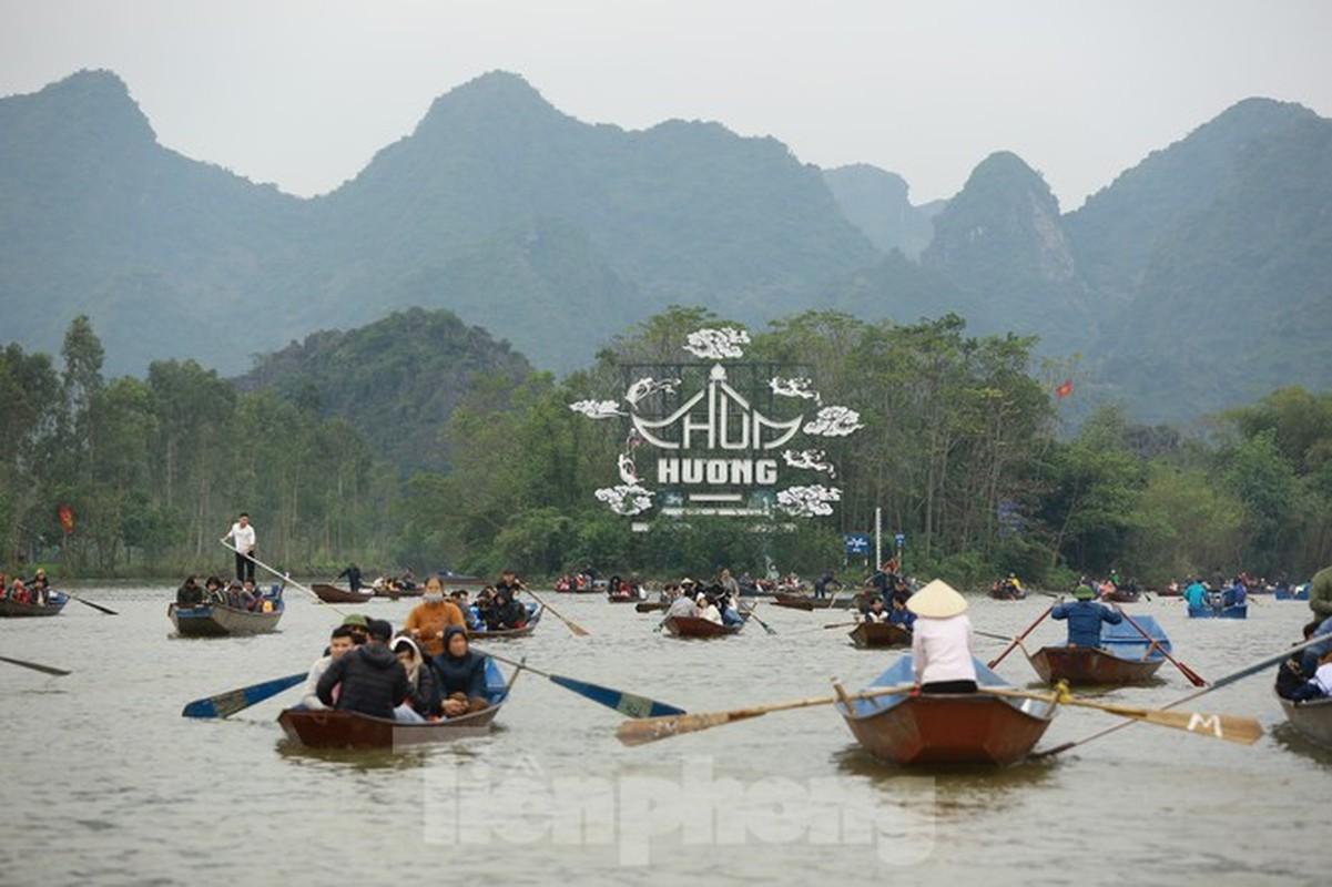 Bi mat chua tiet lo ve chua Huong linh thieng nhat Viet Nam