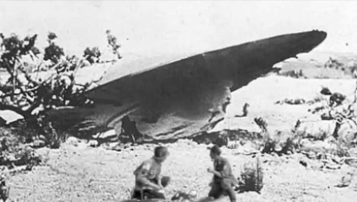 Chan dong: Khong chi 1, co tan 2 UFO roi xuong Roswell nam 1947?-Hinh-6