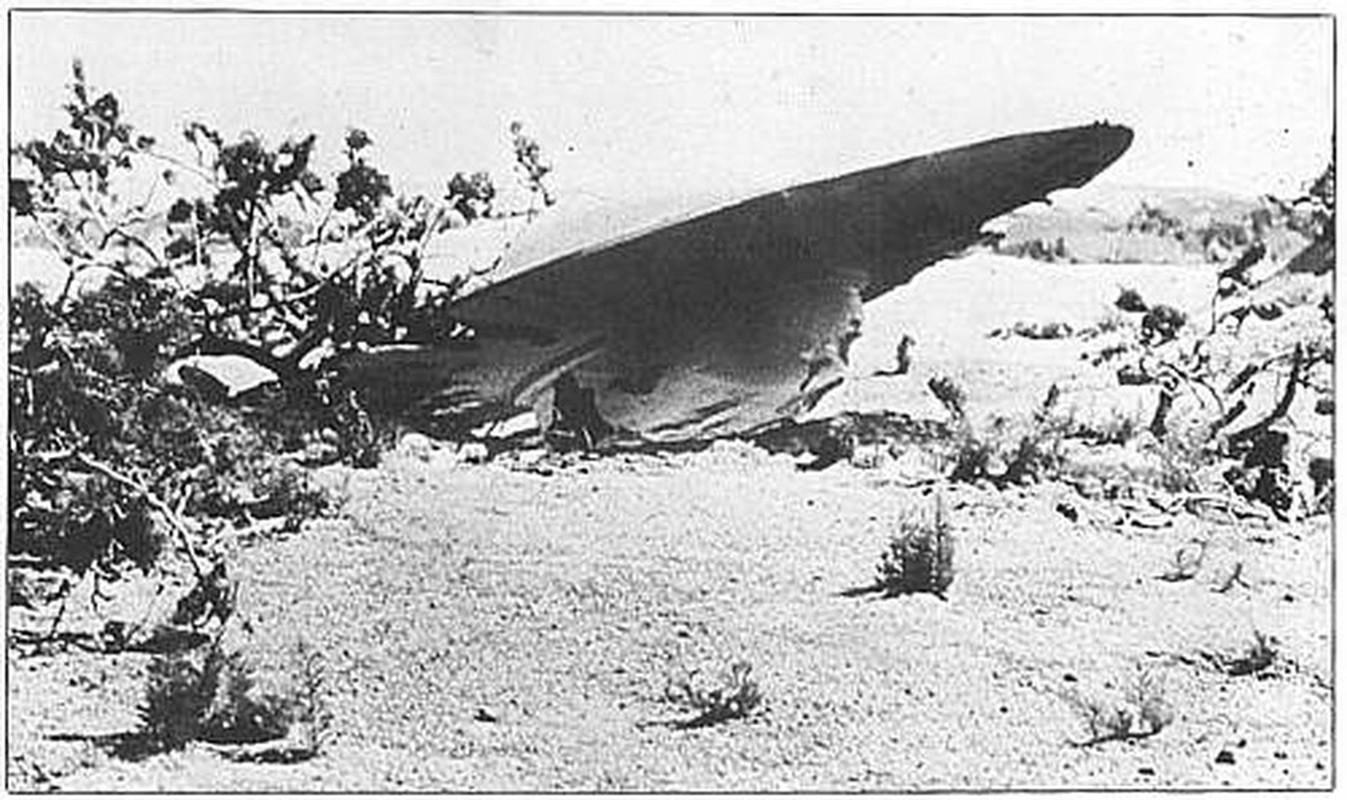 Chan dong: Khong chi 1, co tan 2 UFO roi xuong Roswell nam 1947?