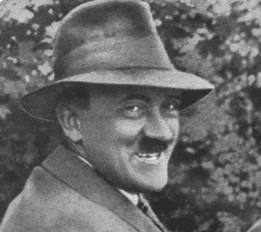 Giat minh loat anh cuc ngoc nghech trum Hitler cam cong bo-Hinh-2