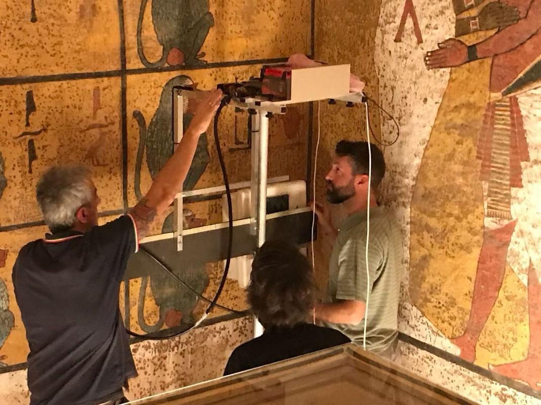 Ven man bi an can phong bi mat trong lang mo Tutankhamun-Hinh-10