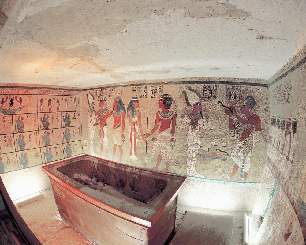 Ven man bi an can phong bi mat trong lang mo Tutankhamun-Hinh-6
