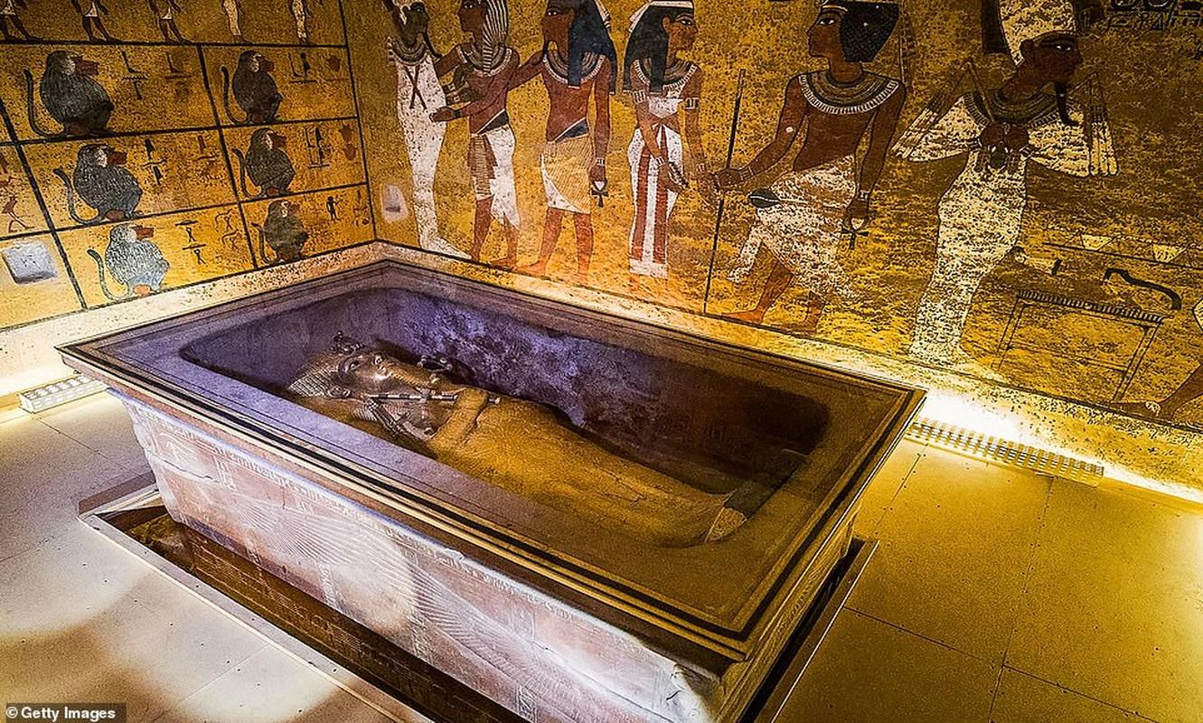 Ven man bi an can phong bi mat trong lang mo Tutankhamun