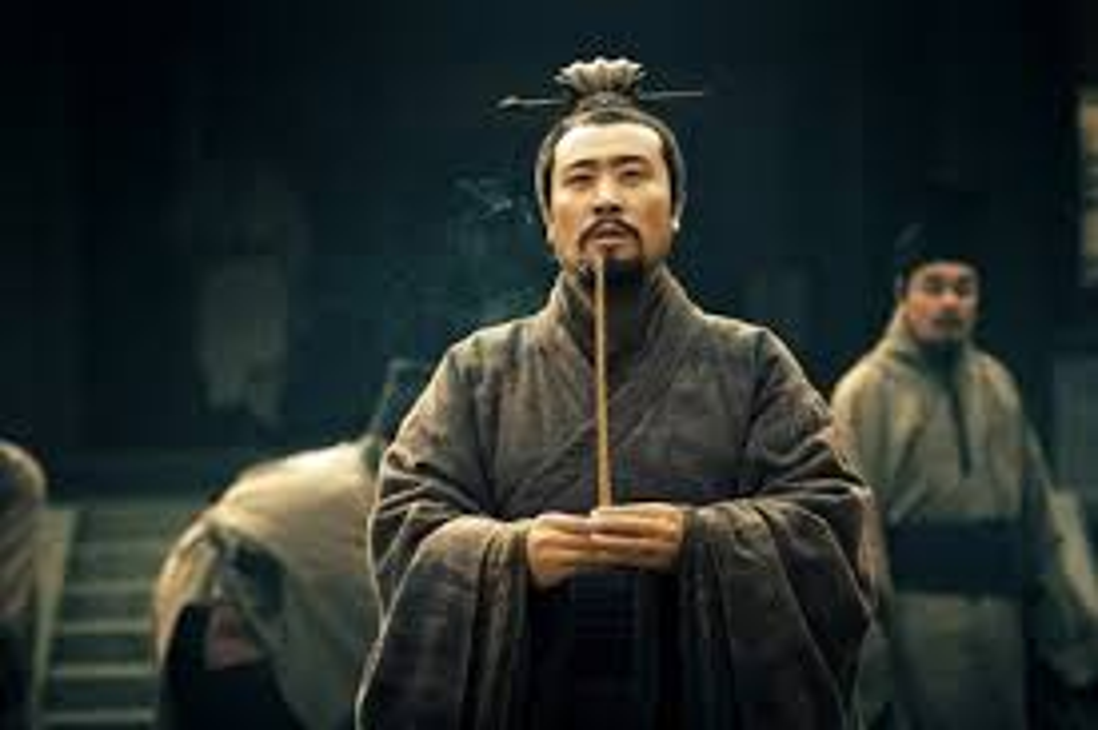 Ai la nguoi day cong thuyet phuc Luu Bi nhan lay Tu Chau?-Hinh-7