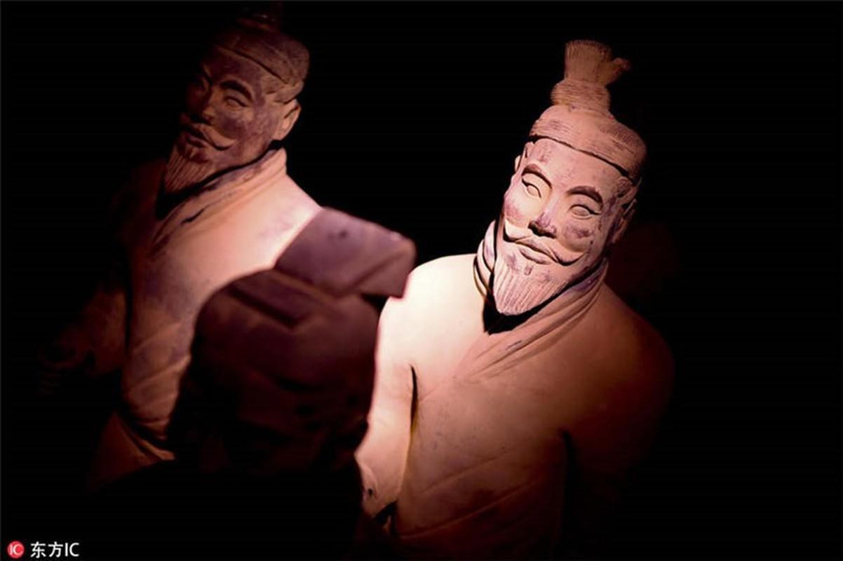 Doi quan dat nung trong mo Tan Thuy Hoang dac biet the nao?-Hinh-5