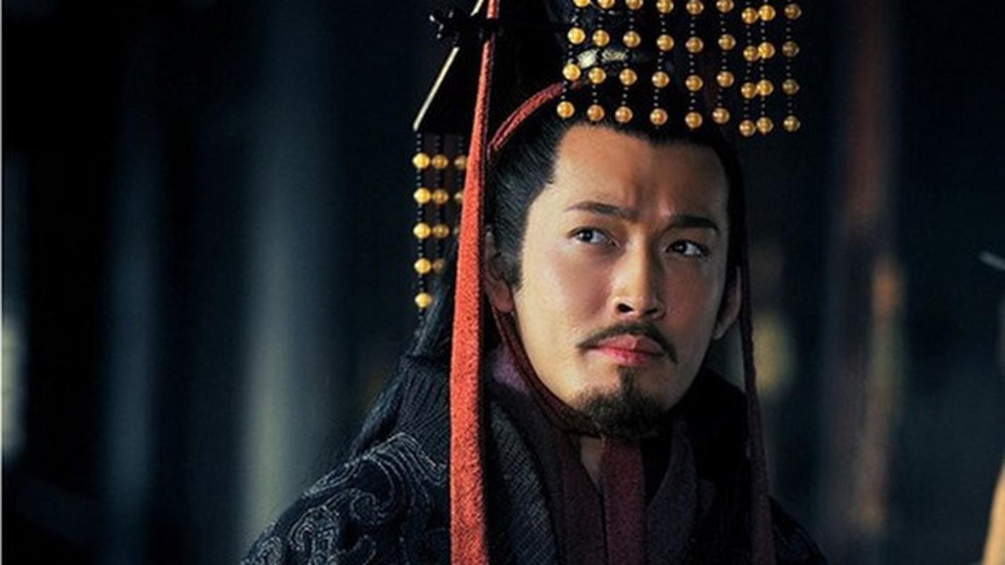 Vi sao Ton Quyen khong the xung ba thien ha du thuc luc cuc manh?