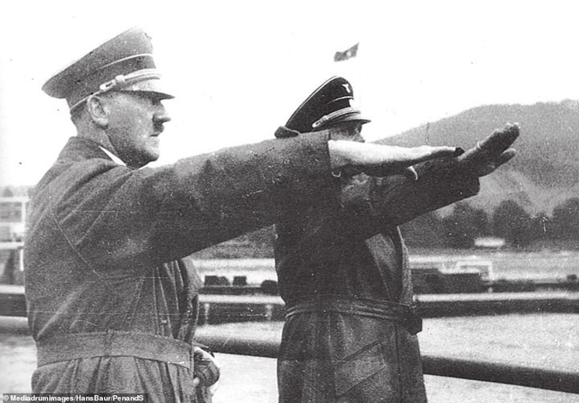 Nhung ngay thang cuoi doi duoi long dat cua trum phat xit Hitler-Hinh-9