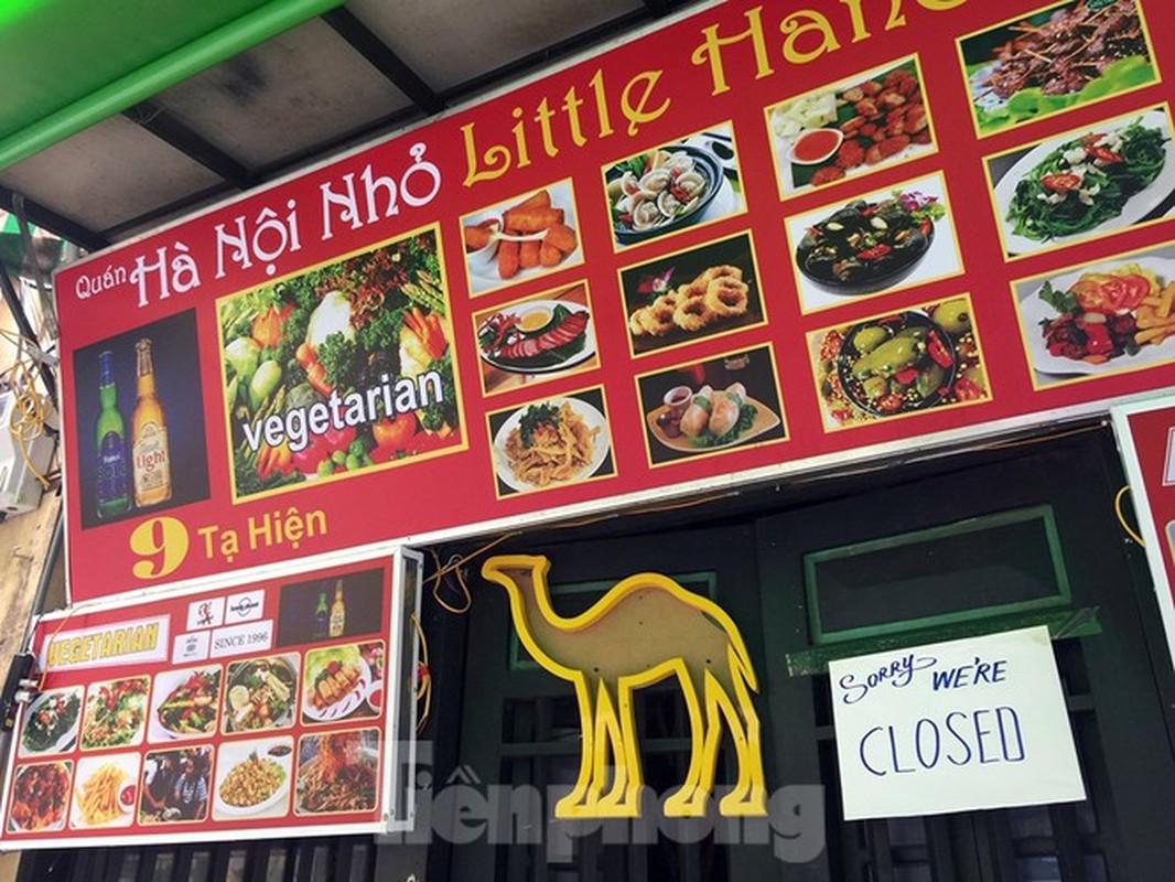 Theo chan canh sat di tuan, phat nguoi khong deo khau trang noi cong cong-Hinh-7
