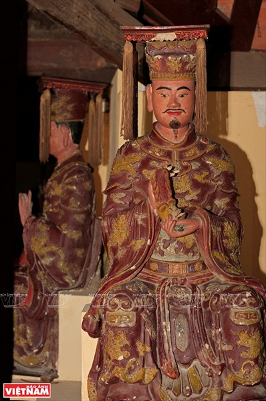 Chua Boi Khe Ha Noi bi mat co vat luu giu nhung bao vat nao?-Hinh-9