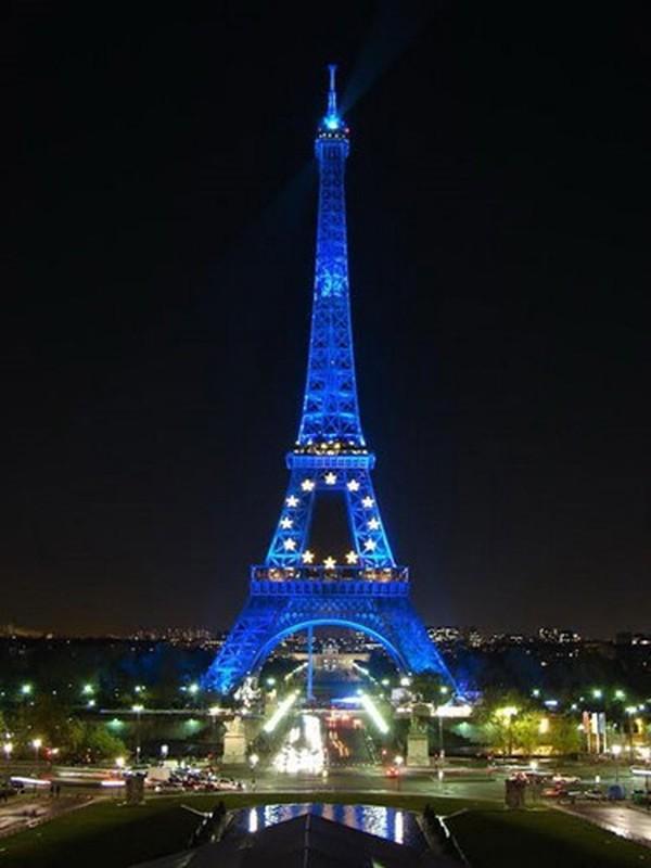 Vi sao dan Paris tung muon pha thap Eiffel ban sat vun?-Hinh-9