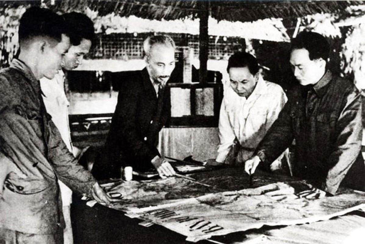 Nhung hinh anh khong the quen ve Chu tich Ho Chi Minh vi dai-Hinh-4